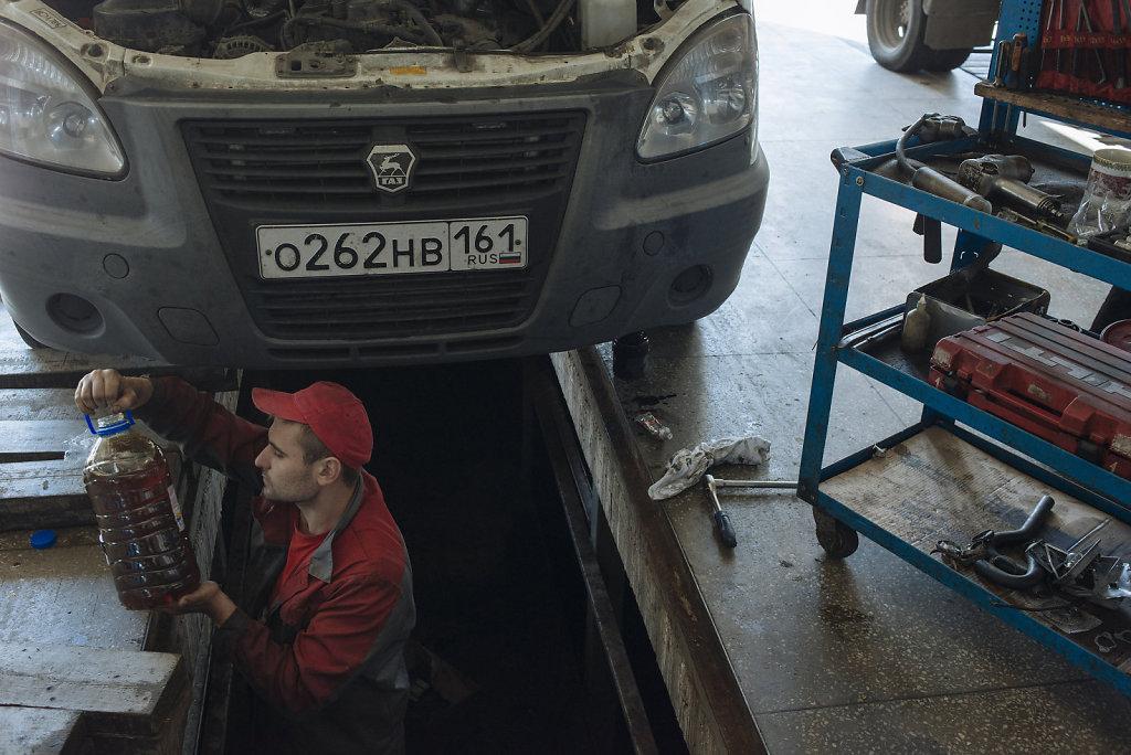 Light truck driver for Shell